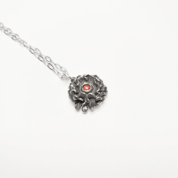 chrysanthenums small pendant